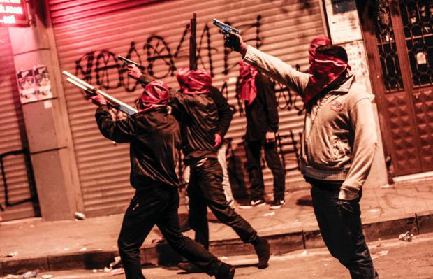 El pacifismo es jactancia de cobardes y cómplices de la opresión